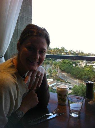 Hotel La Jolla, Curio Collection by Hilton : Wife