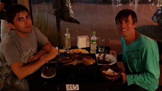 El Tucan: Pablo y Fer cenando en Tucán.
