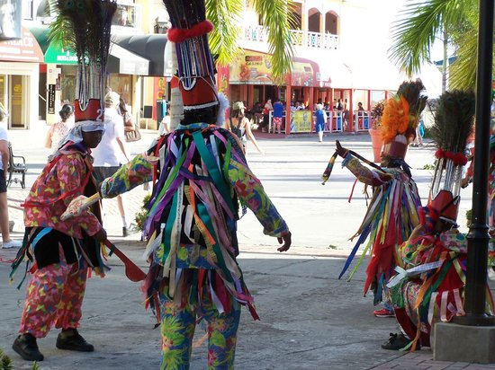 Grey's Island Excursions: Dancers