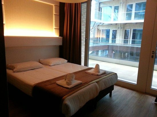 Hotel Mosaic City Centre: Small double bed