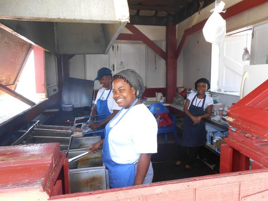 Paradise Cove Beach Resort: What a beautiful smile from my cook