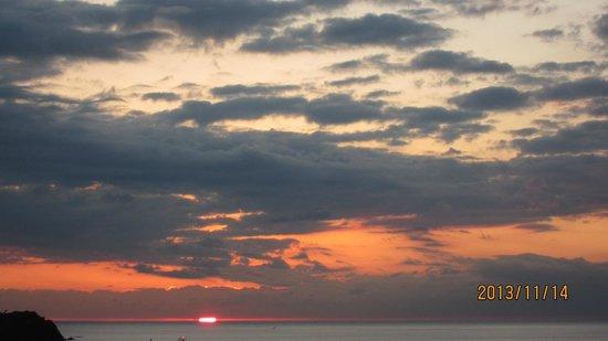 Izu Matsuzakiso: 部屋からの夕日4