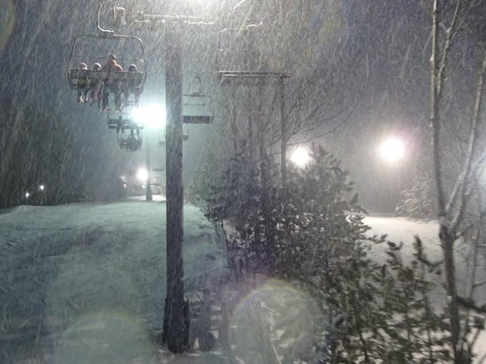 Ski Snow Valley Barrie: Sitting out heavy snow on the chairs
