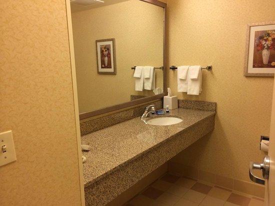Fairfield Inn & Suites Wausau: Large Vanity
