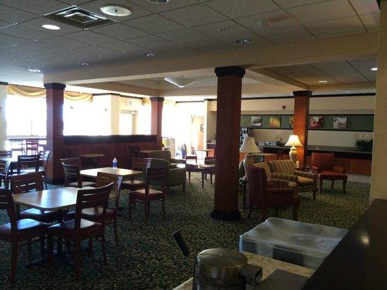 Fairfield Inn & Suites Wausau: Breakfast Area