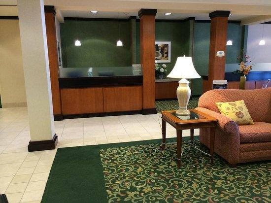 Fairfield Inn & Suites Wausau: Business Center / Lobby