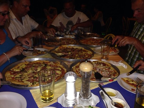 Pizzeria La Fogata: Large & medium pizzas! Fab crispy based pizza