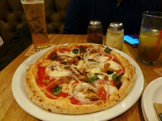 Famoso Neapolitan Pizzeria: Yummy!