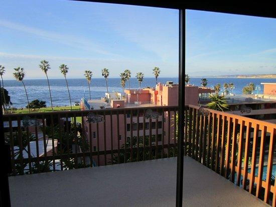 La Jolla Cove Hotel & Suites: View from the dining area