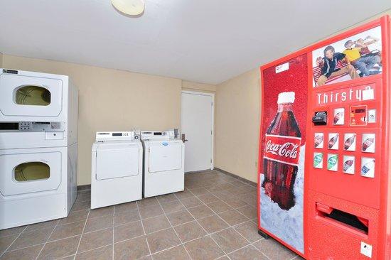 Americas Best Value Inn: Vanding & Guest Laundry