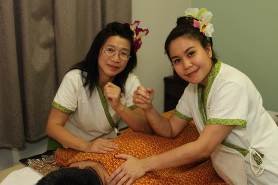 massage therapists picture of saradar thai massage art. Black Bedroom Furniture Sets. Home Design Ideas