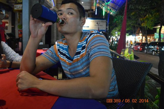 Kuta Central Park Hotel: diner and chilling and talking