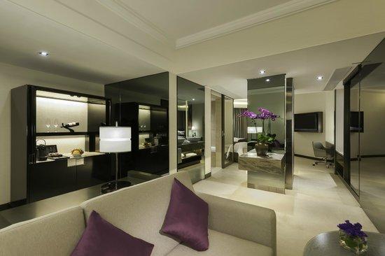 Gateway Hotel Hong Kong: Continental Club Superior Suite