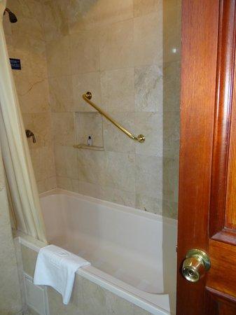 Hotel Dann Carlton Bogota: Bañera