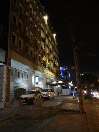 Hotel Dann Carlton Bogota: Frente del Hotel