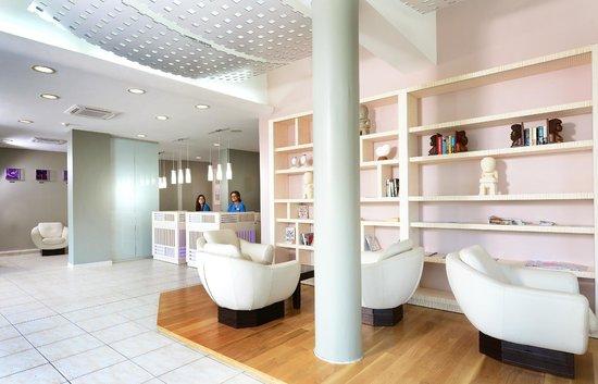 Hilton Noumea La Promenade Residences: Reception area