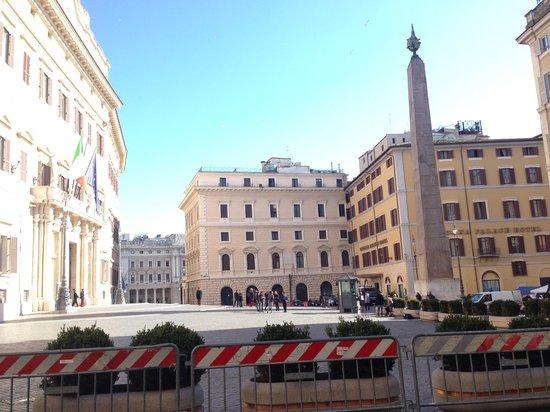Hotel Nazionale : Piazza Montecitorio