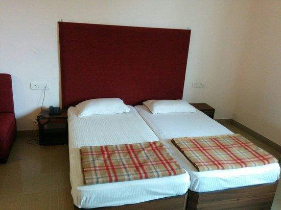 Jaiguru Hotel: Ac roon
