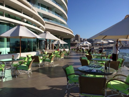 Sheraton Miramar Hotel & Convention Center : Terrace where it's great to grab afternoon tea