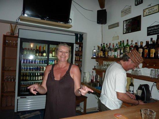 Shannas Cove Resort: Gabi and Frank - Owners