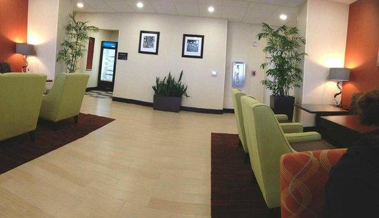 Hampton Inn Daytona Beach/Beachfront: More Lobby
