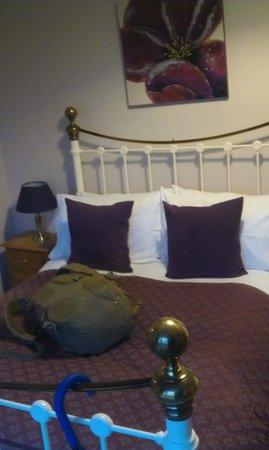 Avonmead House: Bed
