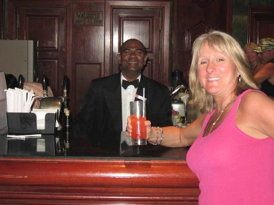 ClubHotel Riu Negril: paul the singing bartender