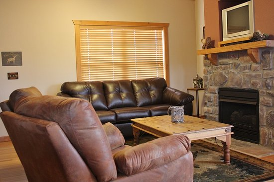 Great Branson Cabins: White Tail Living Room