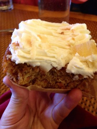 Organic Garden Cafe : Kim's Carrot Cake!!