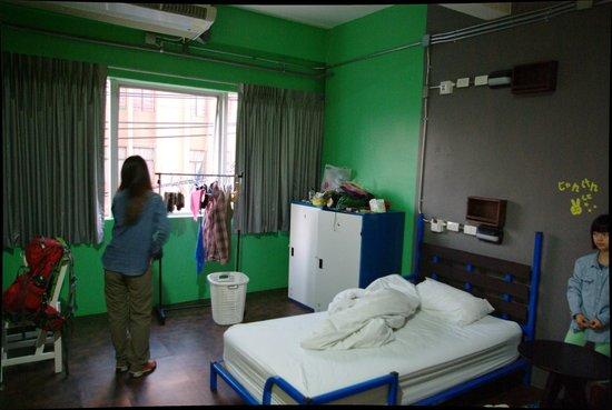 Saphaipae Hostel: 房间内部