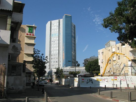 Metropolitan Hotel: вид на отель