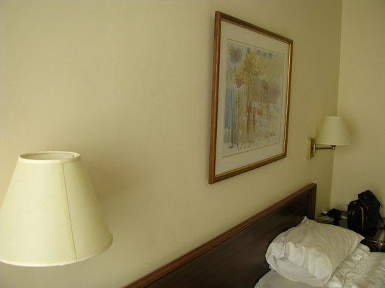Metropolitan Hotel : живопись :-) на стене