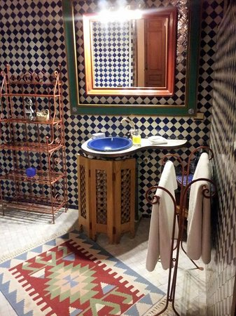 Riad Dar Cordoba: Iraqui Suite - The bathroom.