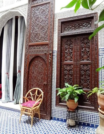 Riad Dar Cordoba: Outside a bedroom in the courtyard.