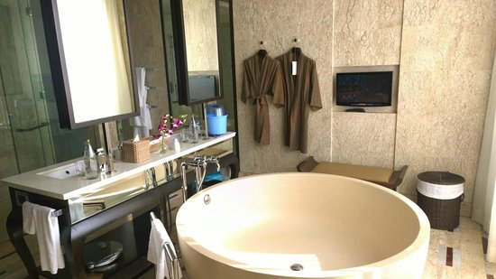 Conrad Koh Samui: Bathroom
