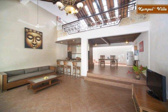 Kumpul Kumpul Villa I Double Six: Living Room