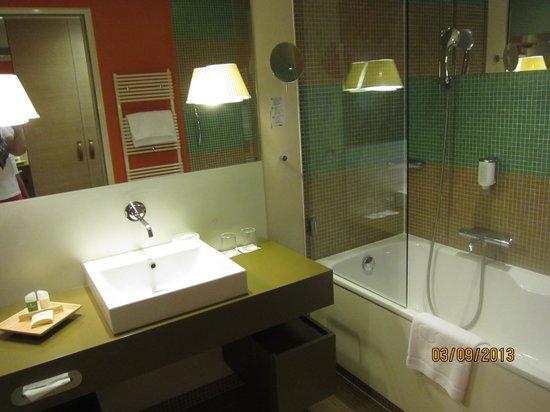 Hotel Therme Meran: Ванная  комната