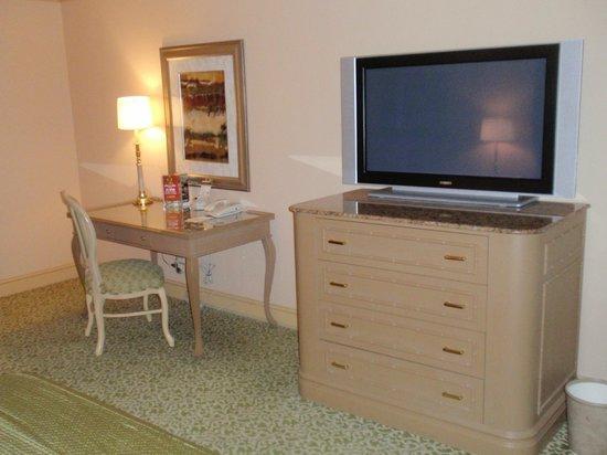Golden Nugget Hotel: Room
