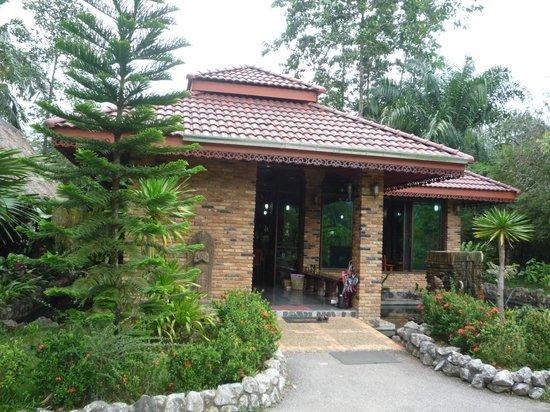 Hotel Khao Sok & Spa: Recepción-restaurante