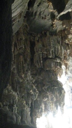 Tham Phu Kham Cave and Blue Lagoon: la grotte