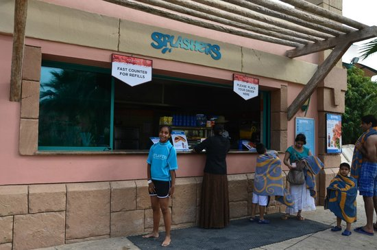 Aquaventure Waterpark: Food time