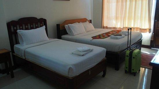 Thavisouk Riverside Hotel: BEDS