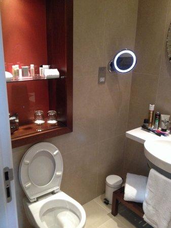 Hotel Indigo Glasgow: Bathroom 312