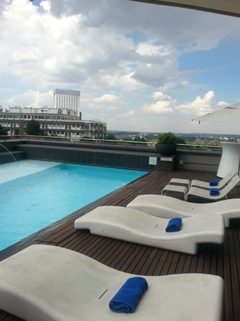 Radisson Blu Gautrain Hotel: pool