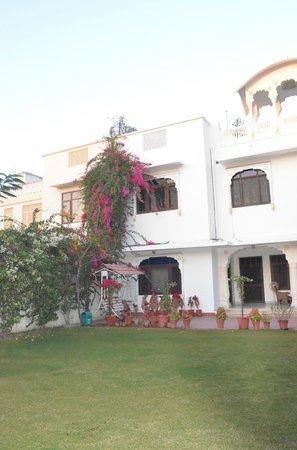 Hotel Meghniwas: Hotel building