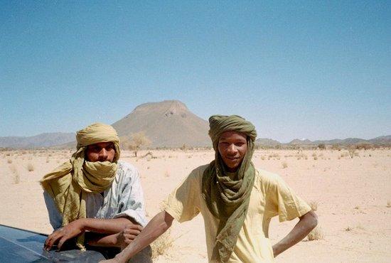 Níger: Os últimos contrafortes do Air: o deserto pela frente!