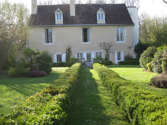 Le Clos Pasquier : Exterior from rear