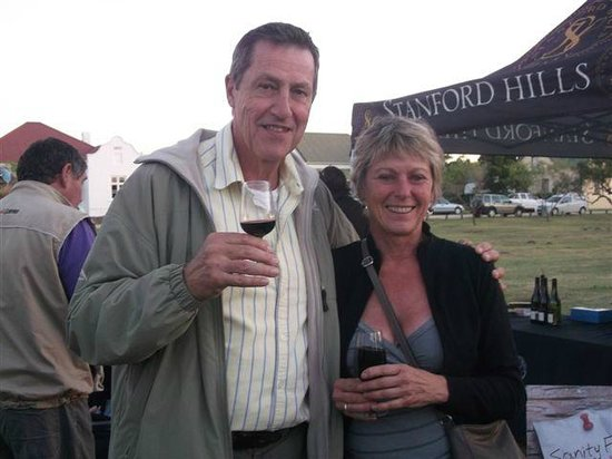 Stanford Sunset Market : stanford wine route sample local wines