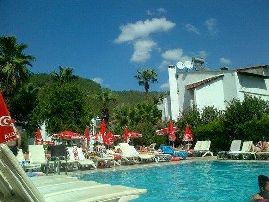 Selen 2 Hotel: The pool :)