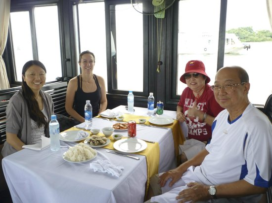 Viet Vision Travel - Day Tours: Lunch on Halong Bay cruise